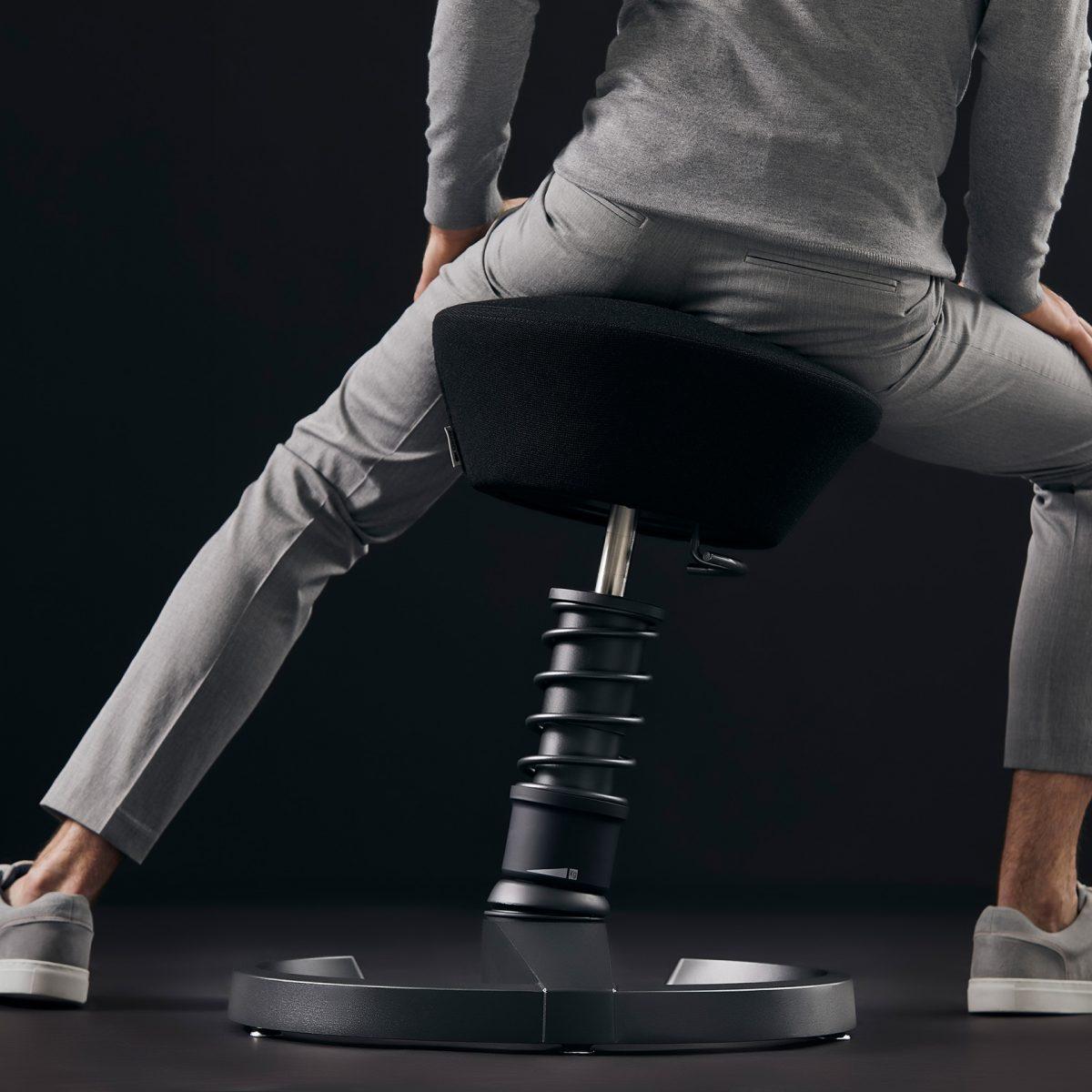 Aeris Swopper stoel Sfeerbeeld2 Thuis WEB